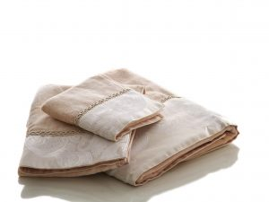 מגבת איבורי