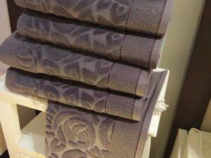 מגבת מהודרת דגם גרדניה אפור