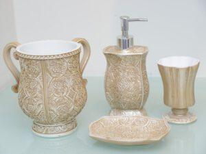 כלי אמבטיה אייבורי
