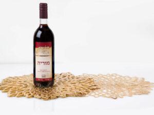6 יחי' פלייסמנט + בקבוק יין