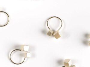 חבק קוביה שמנת טבעת כסף