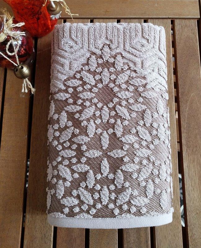 מגבת דגם ואלרי צבע בז'