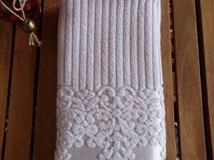 מגבת דגם לינדה צבע בז'