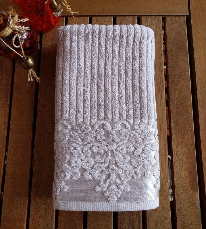 מגבת דגם לינדה צבע אפור כסוף