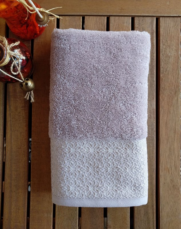 מגבת דגם שייני צבע אפור בהיר