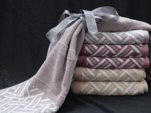 מגבת דגם אריח