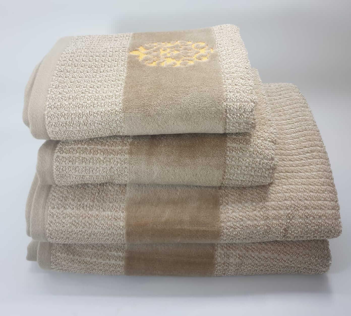 מגבת דגם מדליה בז'