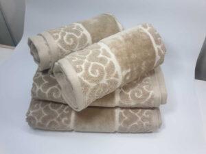 מגבת דגם לולאות בז'