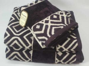 מגבת דגם ריבועים סגול