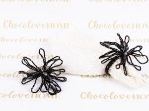 חבקים דגם פרח שחור